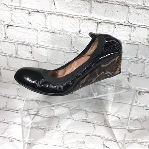 Anyi Lu Women patent leather wedges